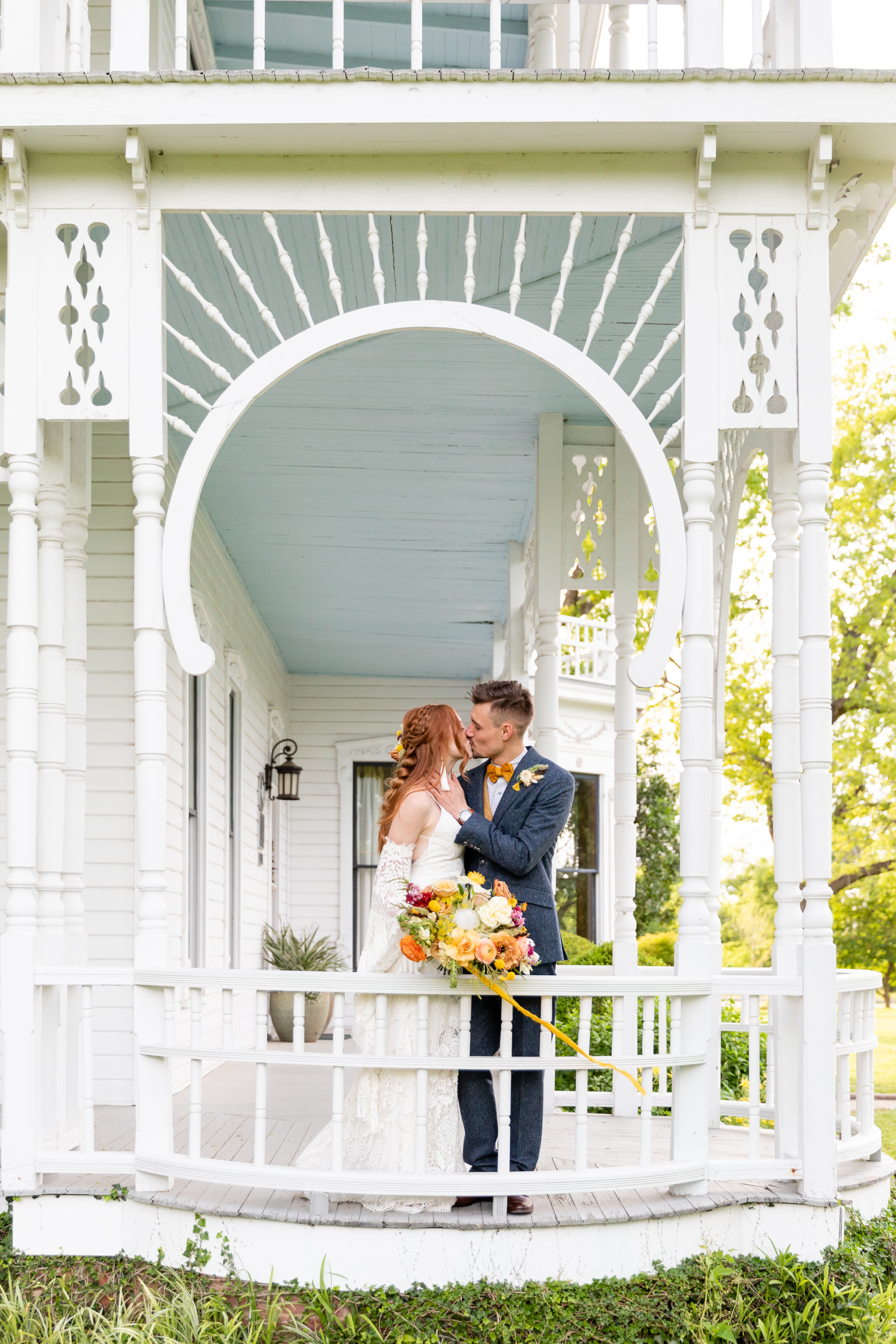 Spring wedding at Barr Mansion in Austin, TX by Koby Brown Photography